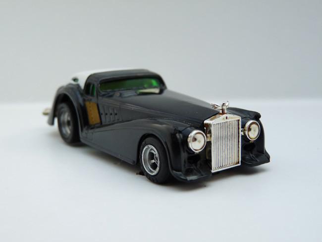 """AURORA AFX Roarin' Rolls """"Golden Ghost"""" schwarz / weiß #1923"""