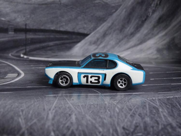 AURORA AFX Ford Capri blau/weiß/schwarz #13 European-Version