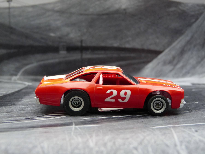 AURORA AFX Chevelle Stocker rot/weiß/orange #29