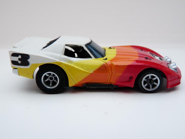 AURORA AFX Corvette GT weiß/rot/orange/gelb #3