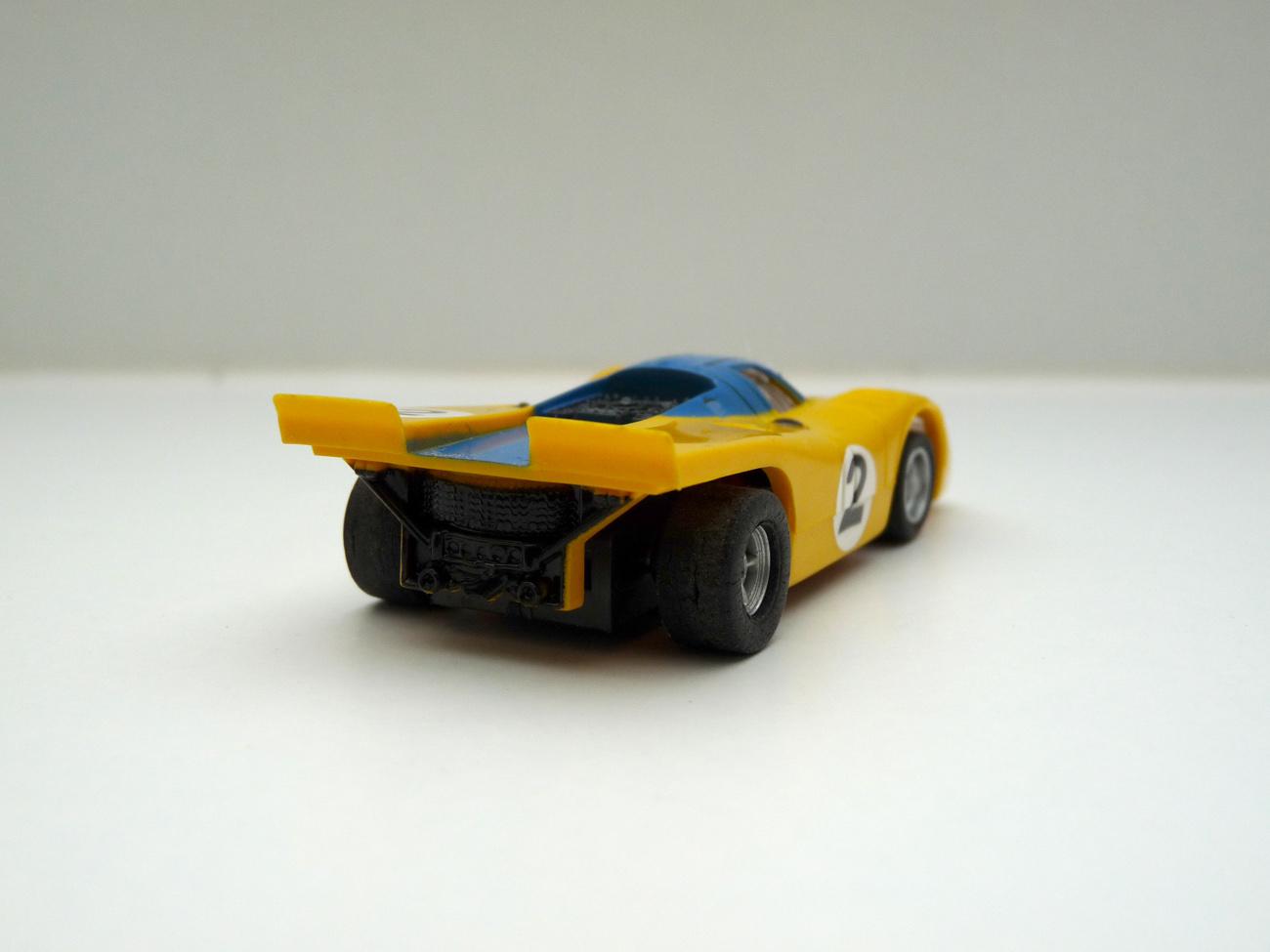 AURORA AFX Porsche 917k gelb/blau #2 -klare Scheibe