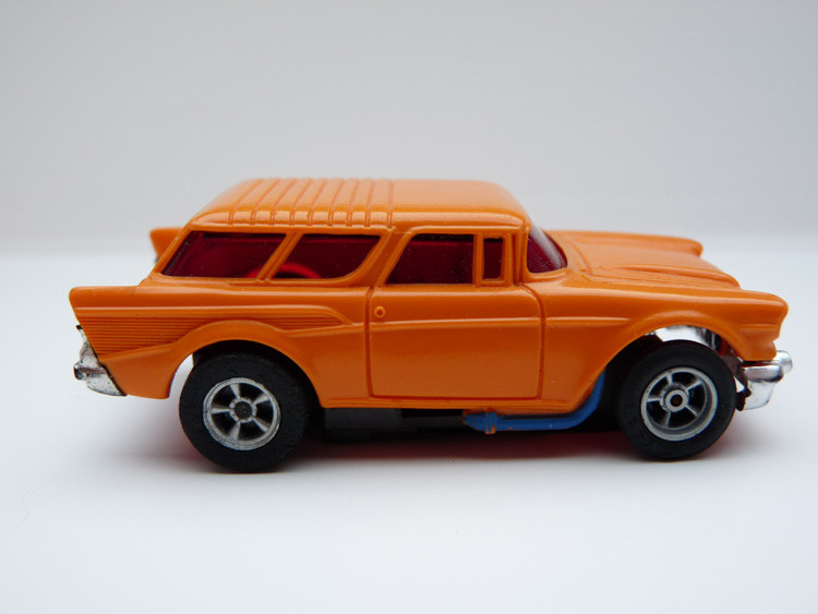 AURORA AFX Chevy '57 Nomad orange/blaue side pipes