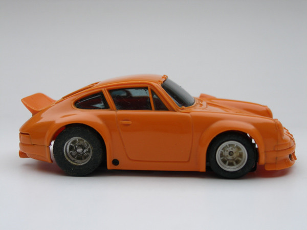 Porsche Carrera orange