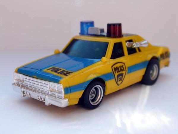 AURORA AFX Chevy Police gelb/blau