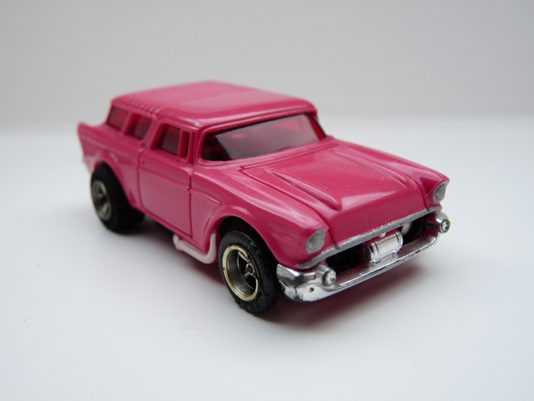 AURORA AFX '57 Chevy Nomad pink/weiße side pipes