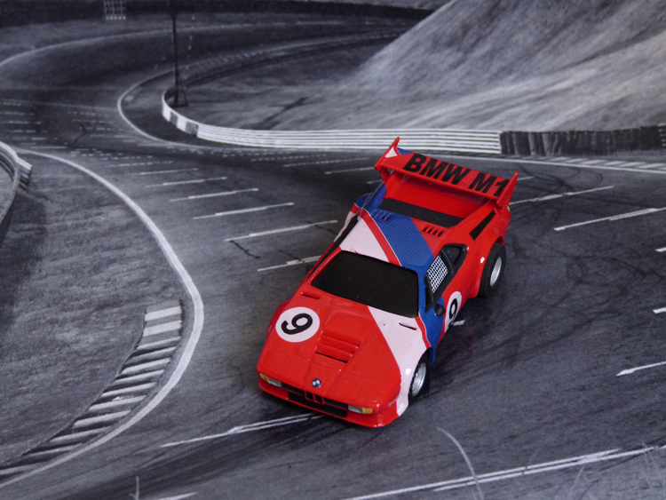 BMW M1 ProCar rot-weiß-blau #9