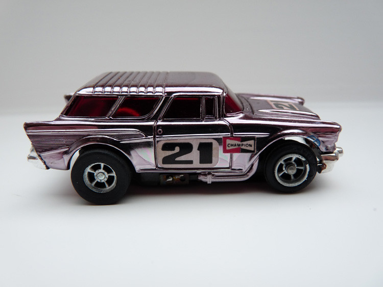 AURORA AFX '57 Chevy Nomad purple chrome #21/silberne side pipes