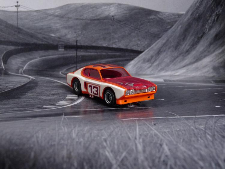 AURORA AFX Ford Capri orange/rot/weiß #13 European-Version