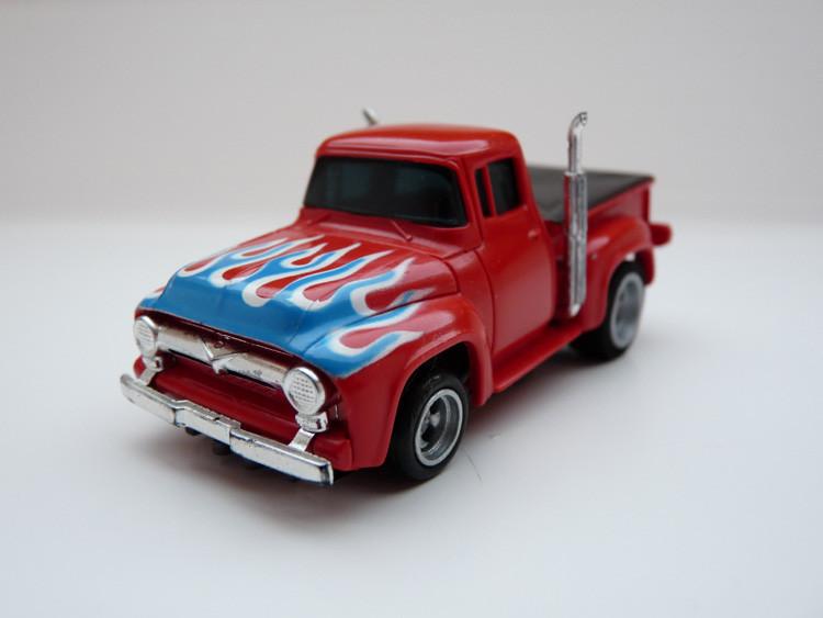 AURORA AFX '56 Ford Pick Up Truck rot/blau-weiße Flammen