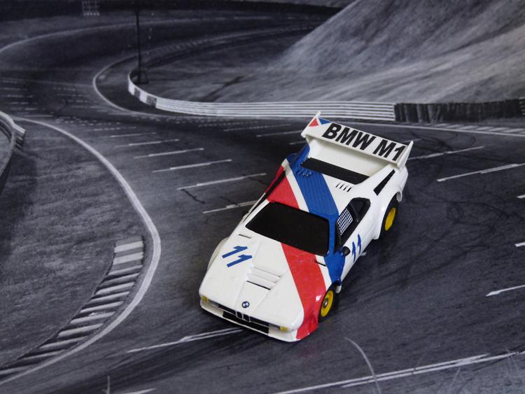 BMW M1 ProCar weiß/blau/rot #11, FunCar