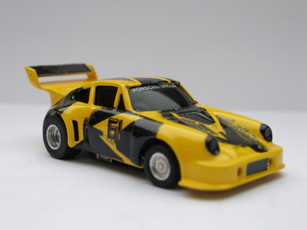 Porsche 934 RSR Uncru #61 gelb