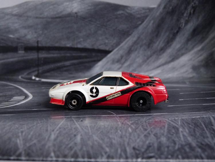 AURORA AFX BMW M1 Valvoline #9