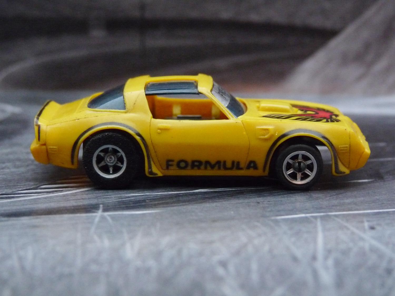 AURORA AFX Firebird gelb/schwarz Variante 2