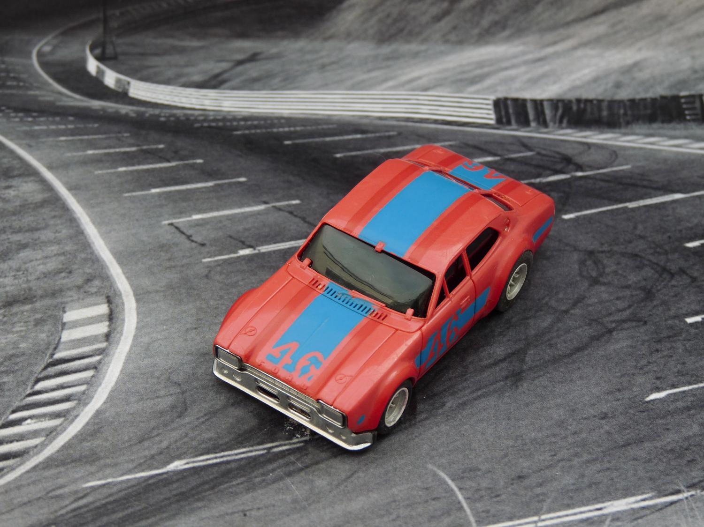 AURORA AFX Ford Escort hellrot/blau/rot #46