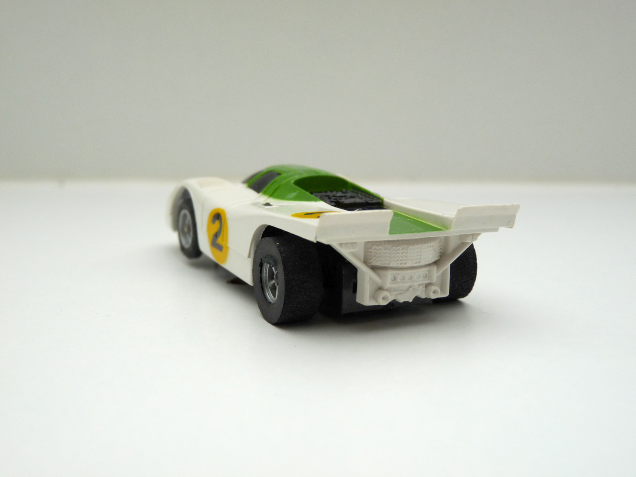 AURORA AFX Porsche 917k weiß/grün #2 -schwarze Scheibe