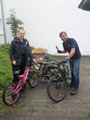 Fahrradüberprüfung durch die REWAG