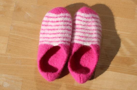 Schafwoll-Hausschuhe pink - offwhite