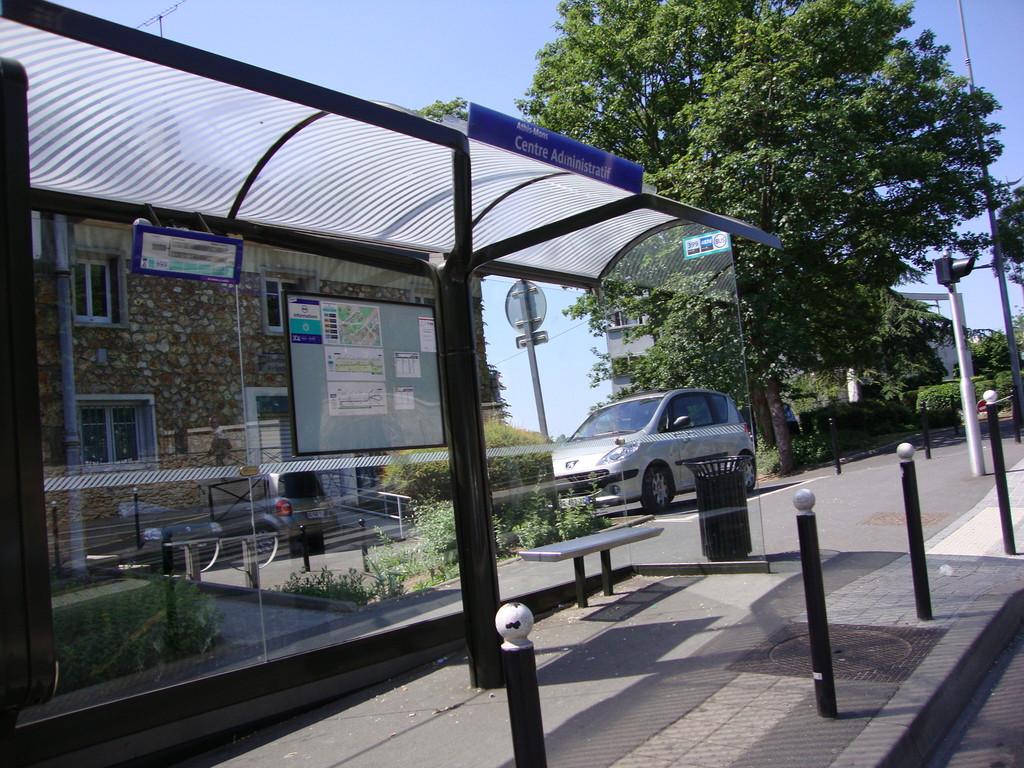 Athis Mons arrêt de bus aux normes