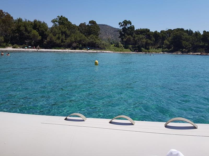 Location bateau semirigide Cavaliere Var 83