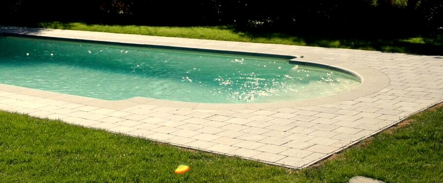 prix coque piscine 8x4 photo piscine coque x photo duune piscine coque with prix coque piscine. Black Bedroom Furniture Sets. Home Design Ideas