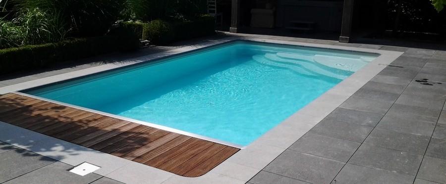 Piscine coque grise piscine coque polyester star avec for Piscine margelle grise