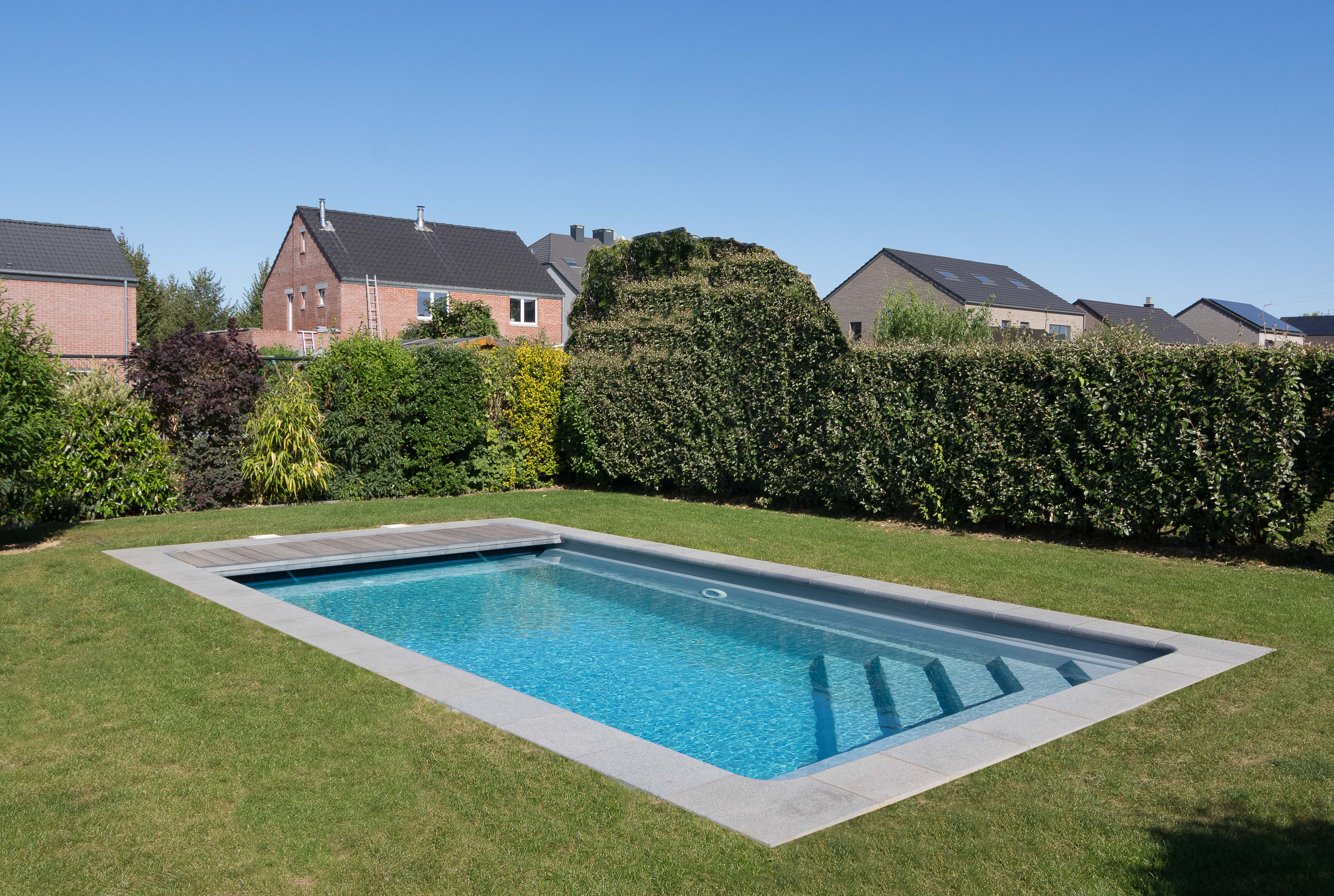 tahiti piscine coque rectangulaire mattimmo. Black Bedroom Furniture Sets. Home Design Ideas