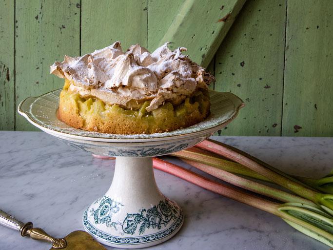 Theresas Famous Rhubarb Meringue Cake