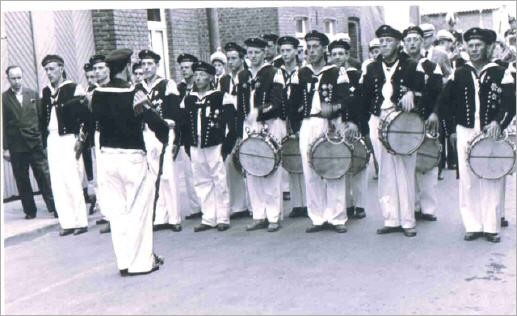 Paradeaufstellung im Jubiläumsjahr 1958