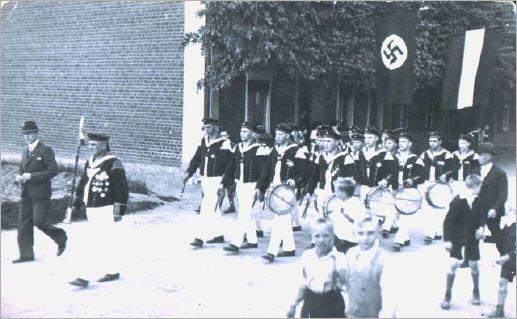 Festzug in Kirchhoven