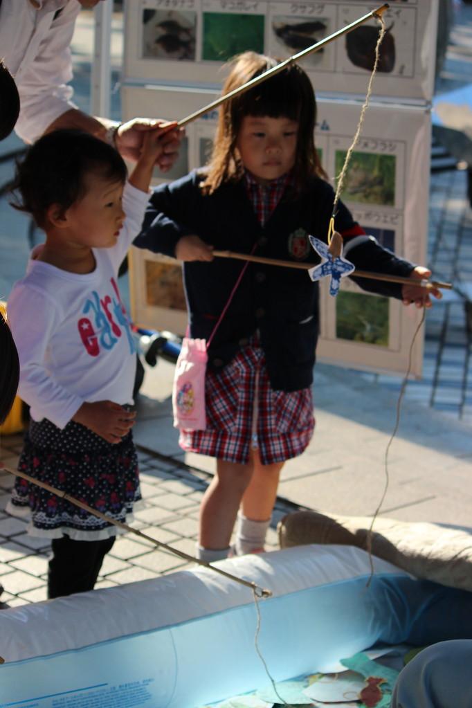 子供さんが多かった。11月3日の金沢公園ワンダーパークはじぇじぇじぇかな?