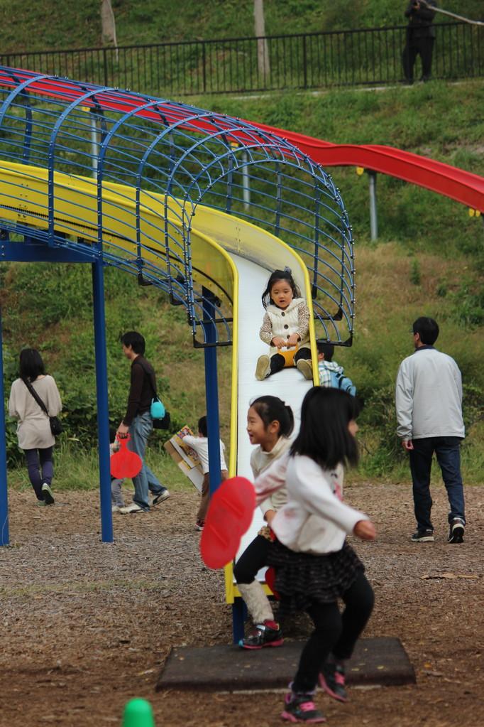金沢動物園夏山口のこども広場で開催
