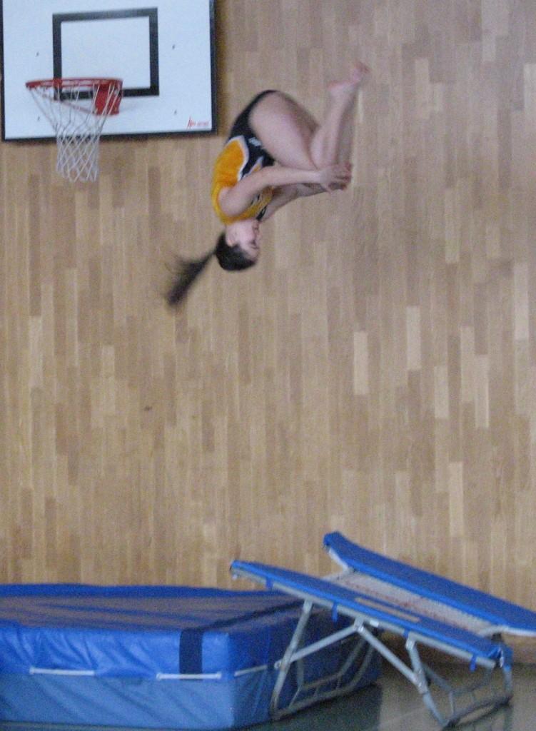 Nicole beim Salto