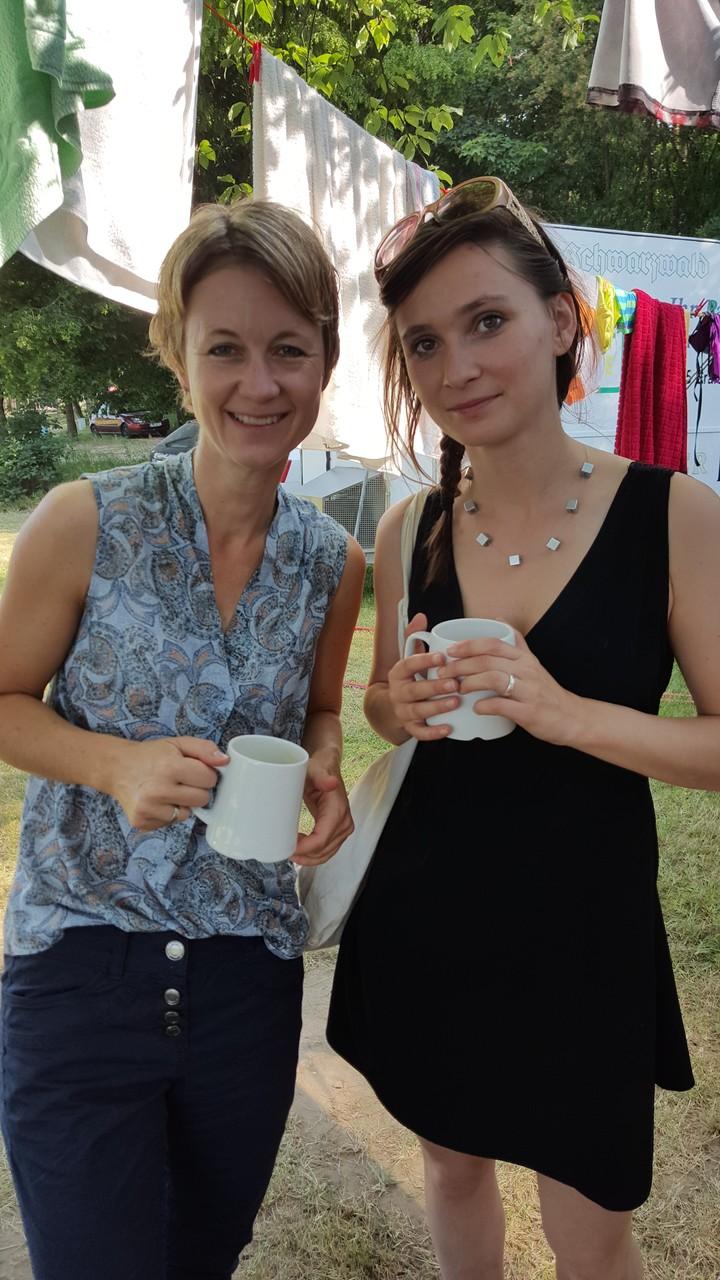 Steffi mit  Anna - einer Sommercamp Mitarbeiterin