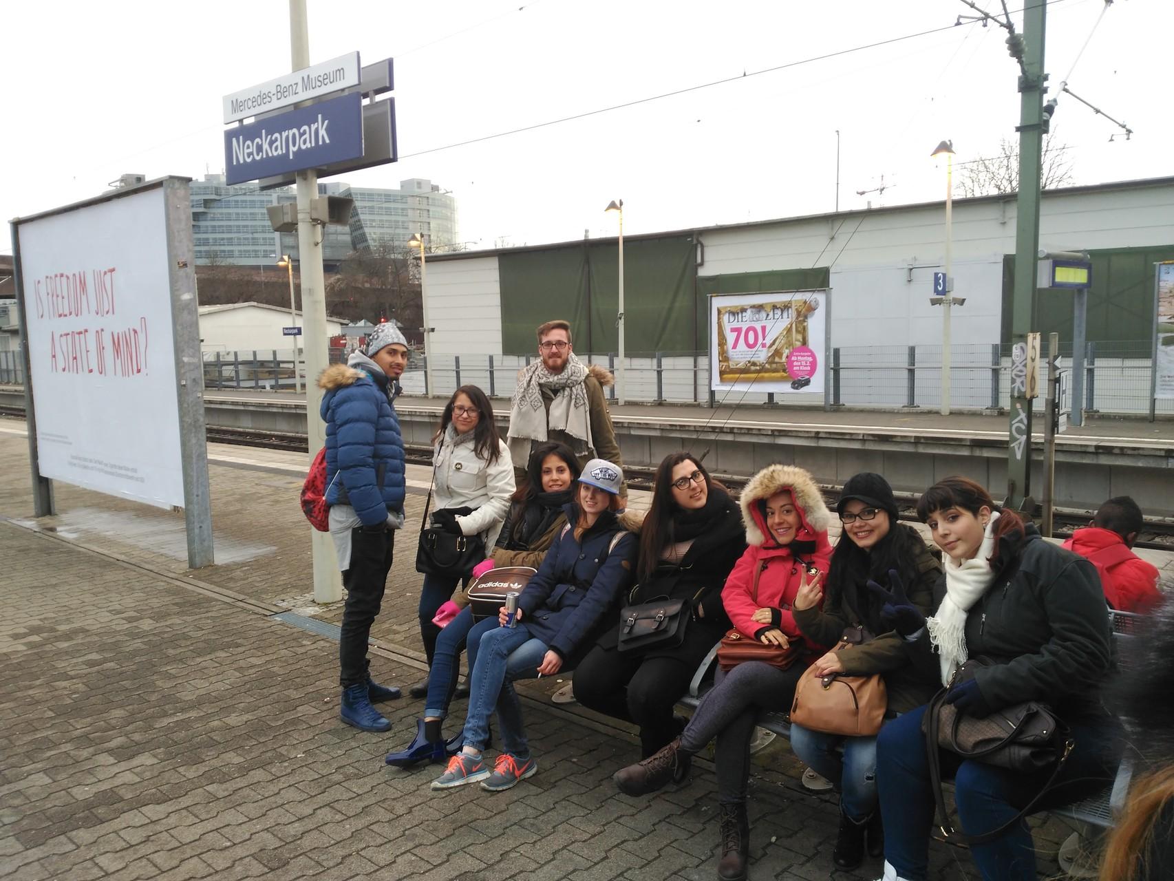 Warten auf dei S-Bahn