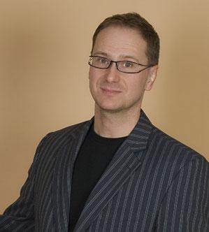 Hypnotiseur Alexander Neubert bietet Hypnosetherapie in Berlin, Wandlitz und Gmunden an.