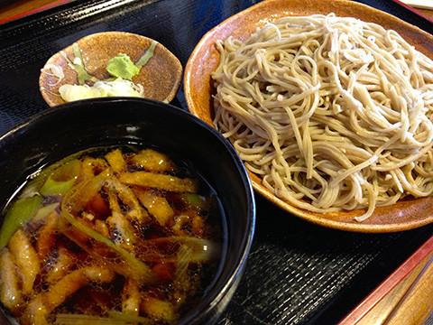 昼食は忠次郎蔵の美味しい蕎麦をどうぞ
