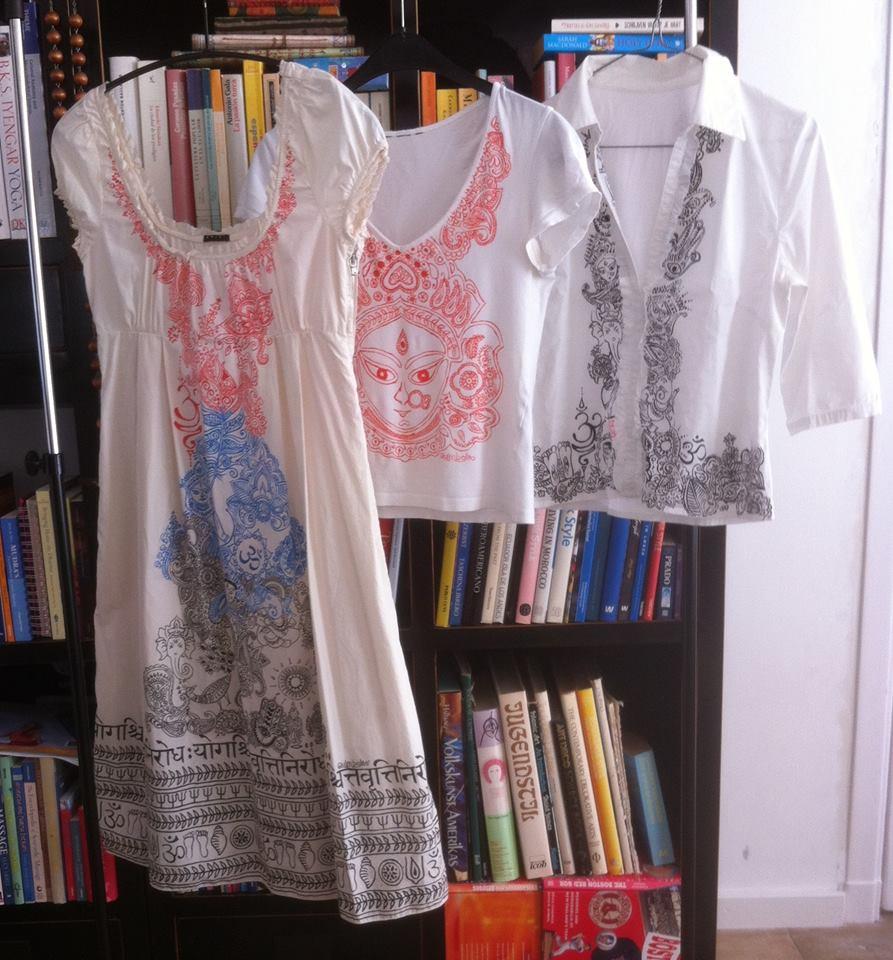 Handmatige decoraties op kleding