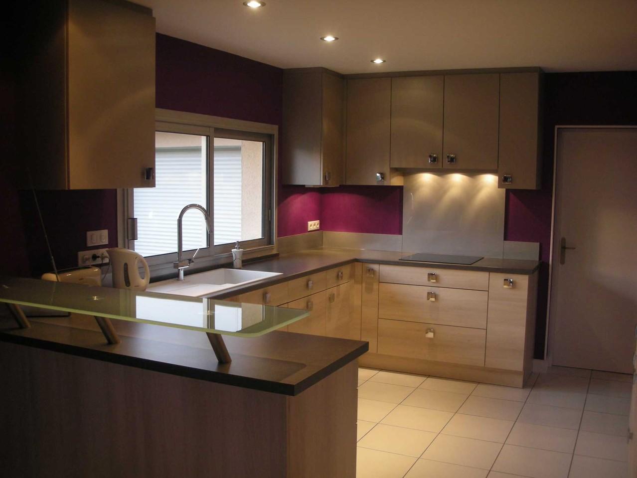 plomberie cuisine lampe suspendue cuisine u globetravel en ce qui concerne luminaire cuisine. Black Bedroom Furniture Sets. Home Design Ideas