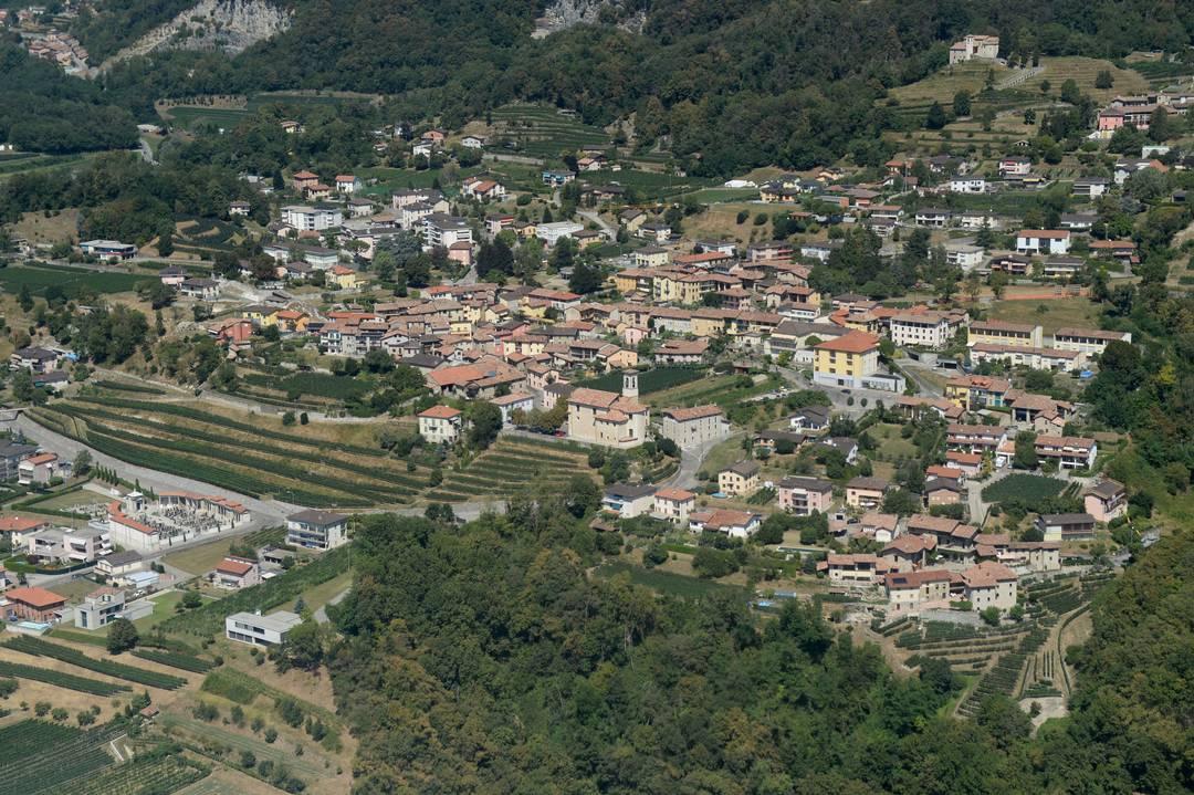 veduta aerea di Castel San Pietro