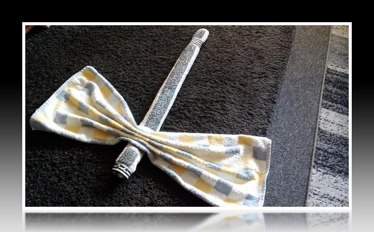 Handtuchfiguren falten Libelle Insekt für deine Zimmerdekoration. Origami mal mit Handtüchern. Falte niedliche Figuren, Tiere und andere Origami Motive aus deinen Badetücher oder Gästetücher. Servietten falten mit Handtüchern. Basteln mit Kindern insect