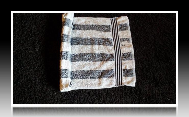 Handtuchfiguren falten Schwan für deine Zimmerdekoration. Origami mal mit Handtüchern. Falte niedliche Figuren, Tiere und andere Origami Motive aus deinen Badetücher oder Gästetücher. Servietten falten mit Handtüchern. Basteln mit Kindern und falten.
