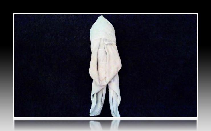 Handtuchfiguren falten Maus für deine Zimmerdekoration. Origami mal mit Handtüchern. Falte niedliche Figuren, Tiere und andere Origami Motive aus deinen Badetücher oder Gästetücher. Servietten falten mit Handtüchern. Basteln mit Kindern und falten.