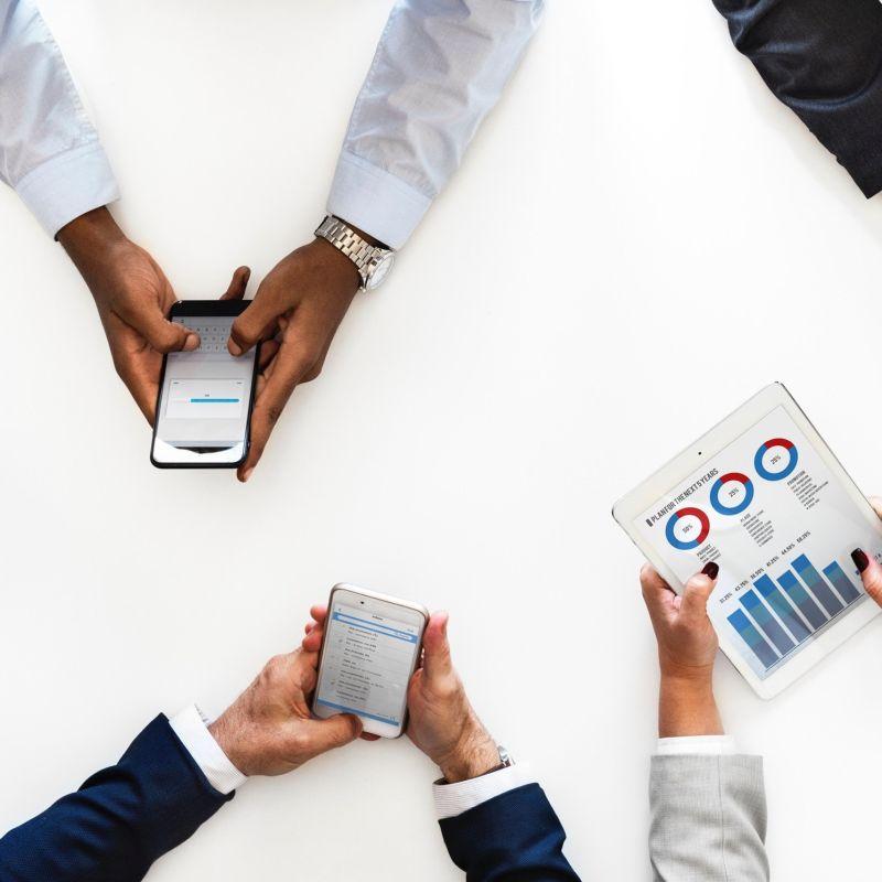 Smartphones, Tablets und Schulungen