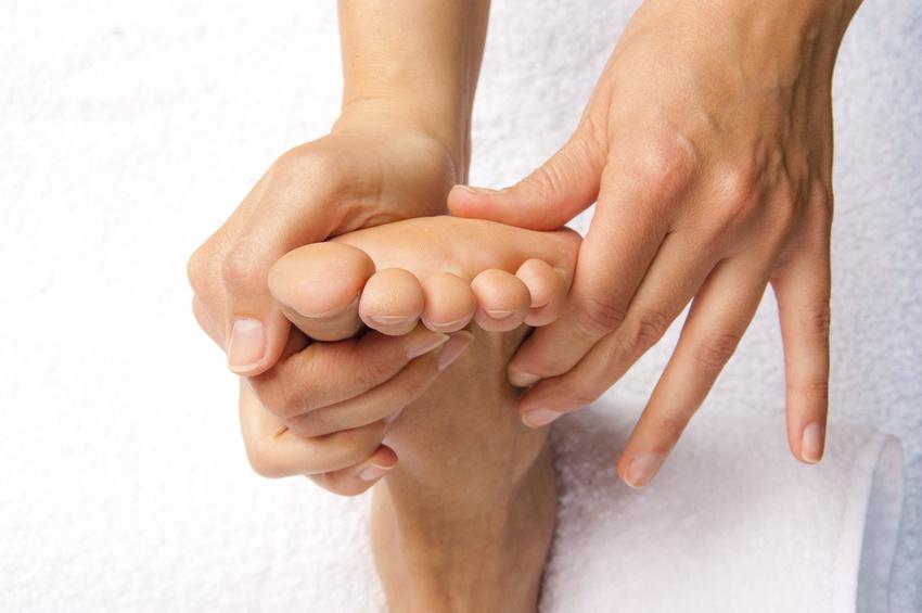 Fußreflexzonenmassage mit Akupressur