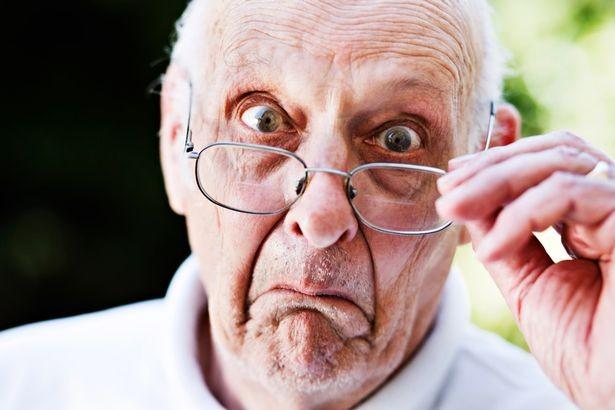 À OSTEOPATHE LYON CENTRE, Francis NYOCK traite les seniors