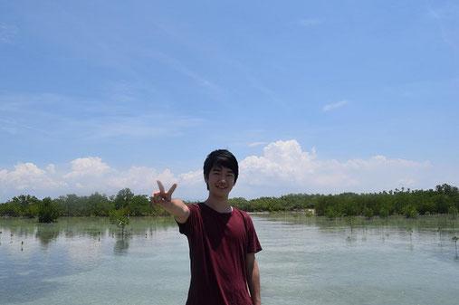 フィリピン オランゴ島にて