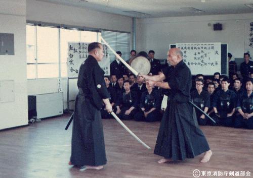 松尾先生(範士八段・当時六段)の美しい形