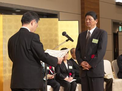 <仙台赤門短期大学工事協力者感謝状贈呈> (有)倭設計 代表取締役 吉岡高次様