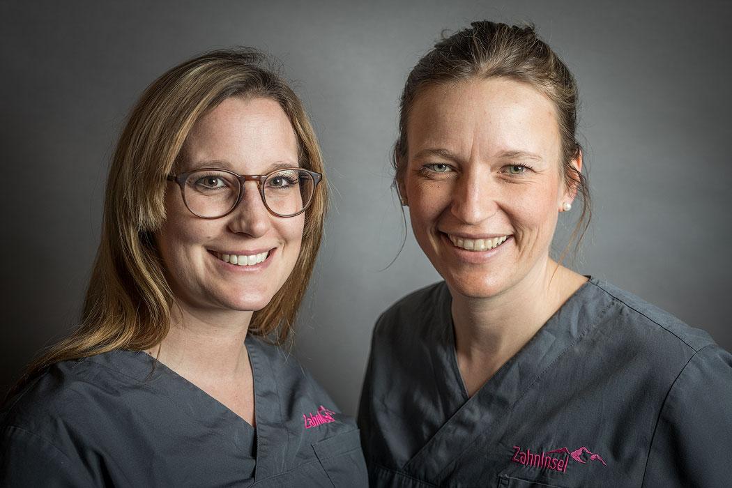 Zahnärztin Dr. Catherine Rimann und Nora Oelbermann