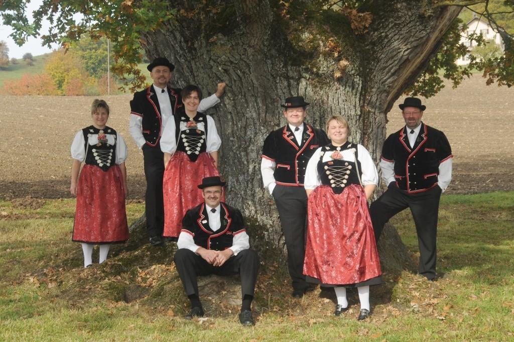 """von links nach rechts: Claudia Meriqnac, Marcel Leutwyler, Marina Halbeisen, Bruno Sütterlin, Marc Steiner, Katharina Christ und Josef """"Seppi"""" Born"""